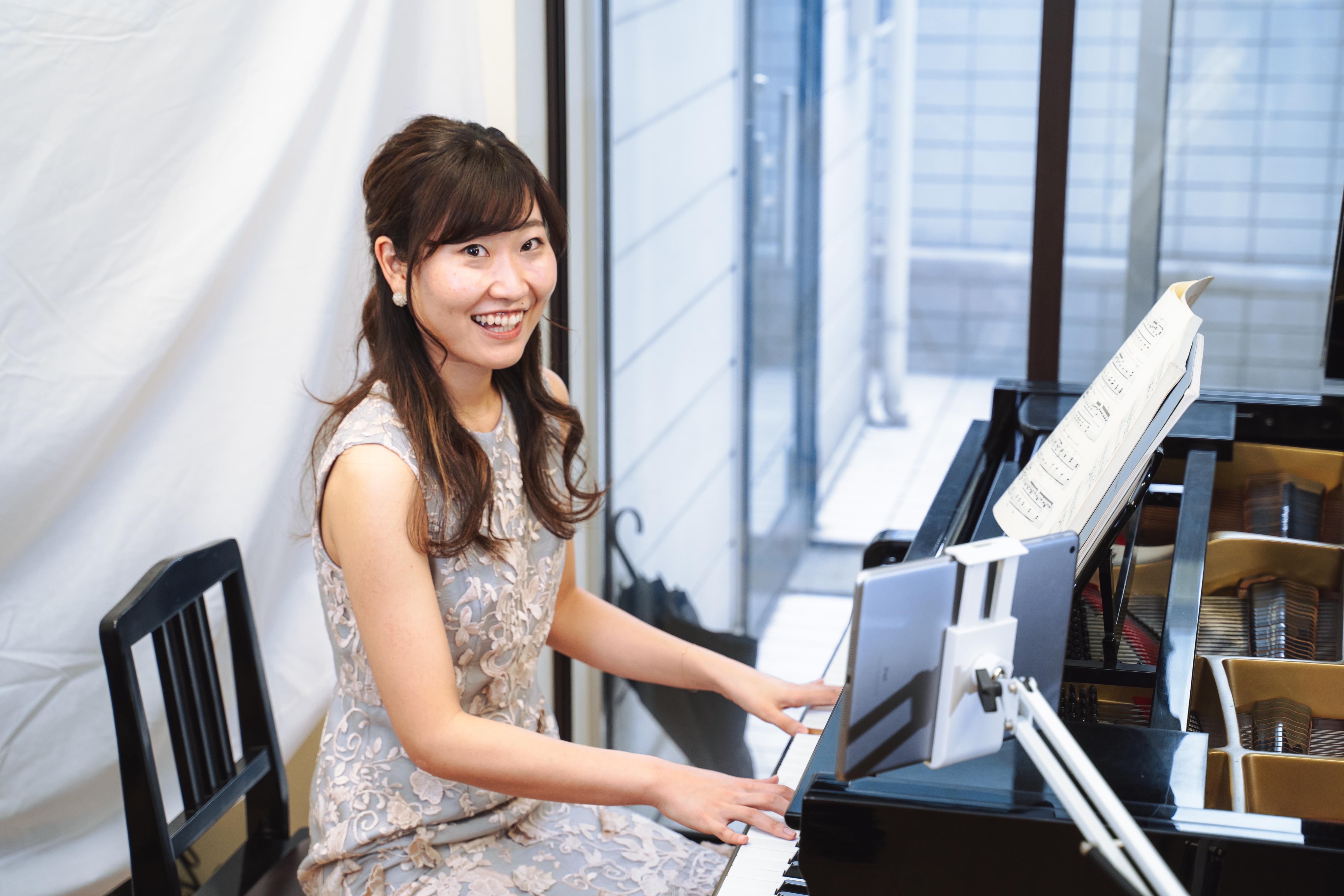 ピアノレッスンのプロ: 佐藤彩様